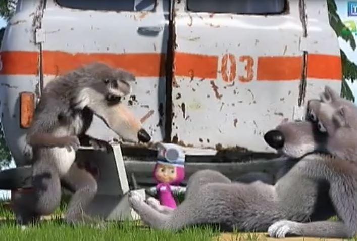 Masza i Niedźwiedź – Sama wśród wilków